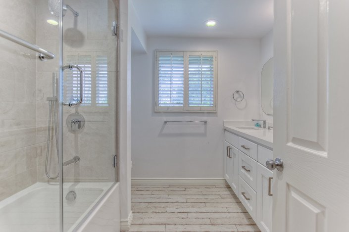 Gallery - Complete Kitchen and Bathrooms remodel - La Cresenta 15